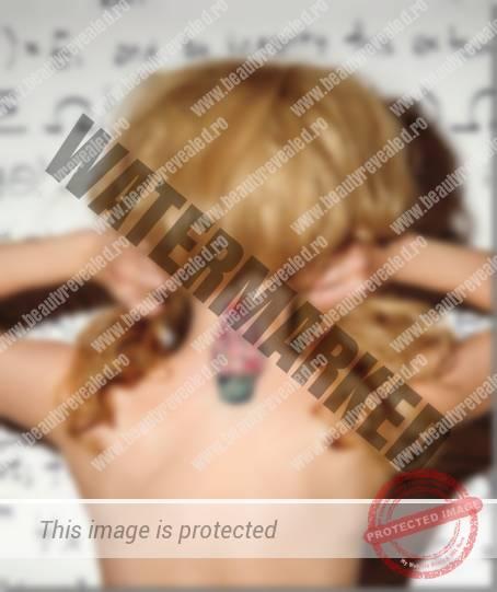 tatuaje-pe-gat-femei-32