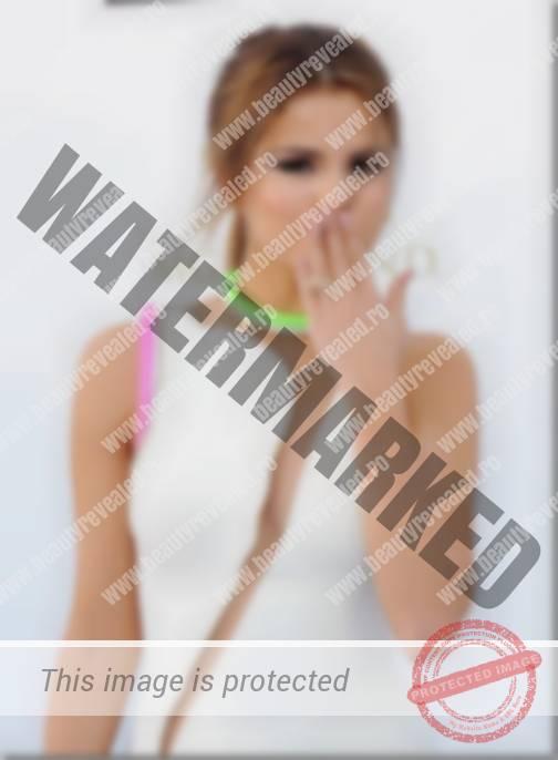 Selena-Gomez-manichiura-vedete_thumb