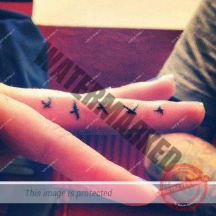 modele-tatuaje-pe-degete-01