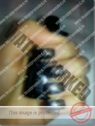 modele-unghii-negre-cu-argintiu-2