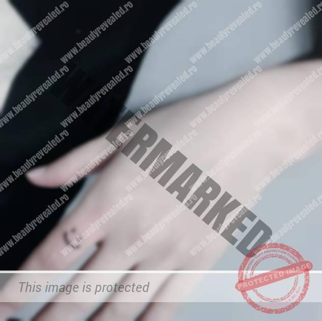 tatuaje-mici-pe-degete-22