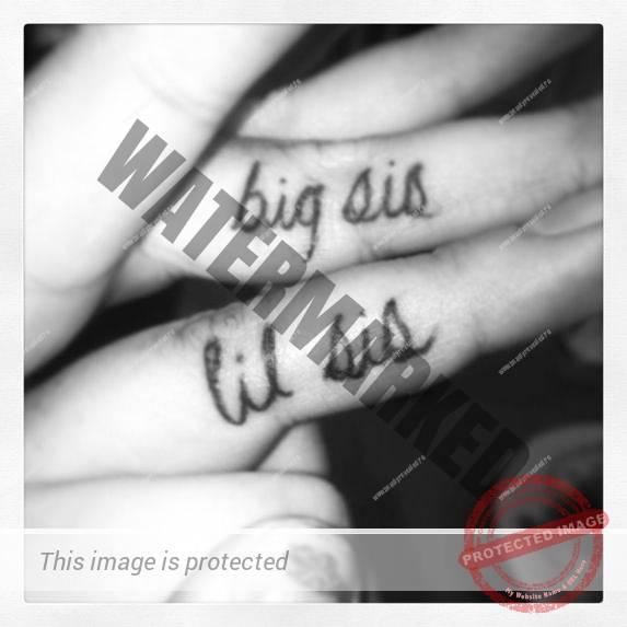 tatuaje-mici-pe-degete-35