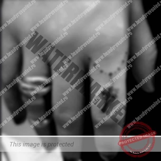 tatuaje-mici-pe-degete-38