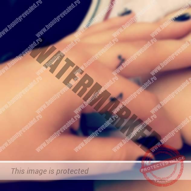 tatuaje-mici-pe-degete-4