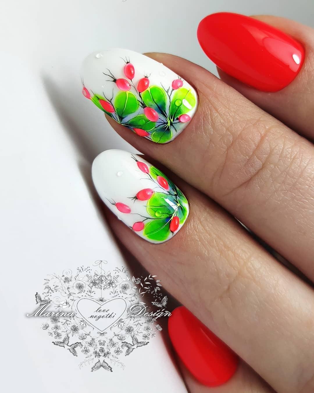 unghii rosii cu alb migdala